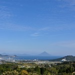 「耳取峠」からの雄大な景観