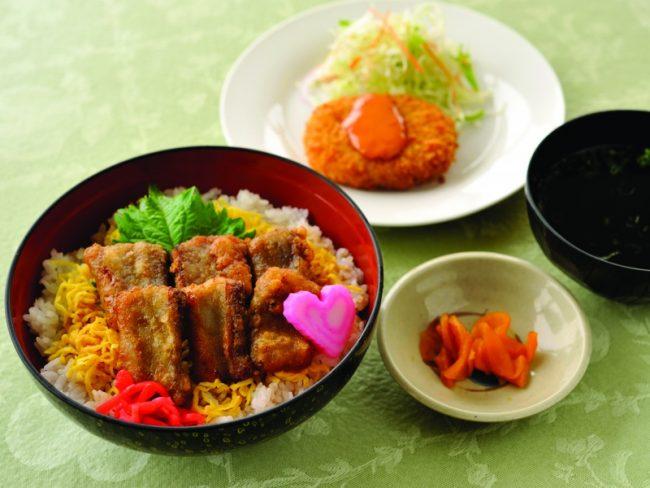 枕崎漁港を見渡せる 枕崎お魚センター展望レストラン「ぶえん」:写真1